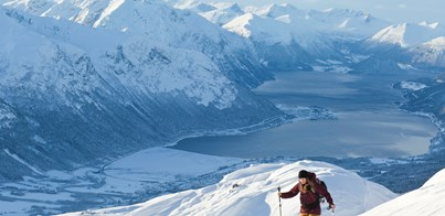 SKIING IN THE ICONIC FJORD LANDSCAPE OF NORWAY