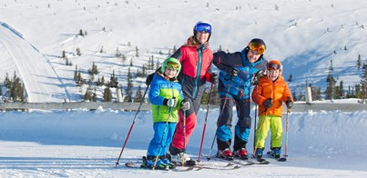 FAMILY SKIING IN SWEDEN